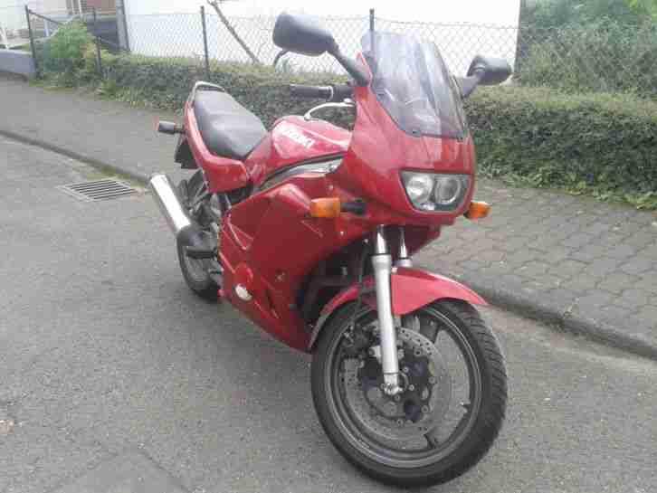 Motorrad Suzuki GS 500 E metallic rot in Vollverkleidung