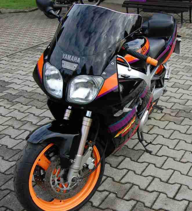 Motorrad Yamaha FZR 600 Genesis in schwarz orange 99 PS