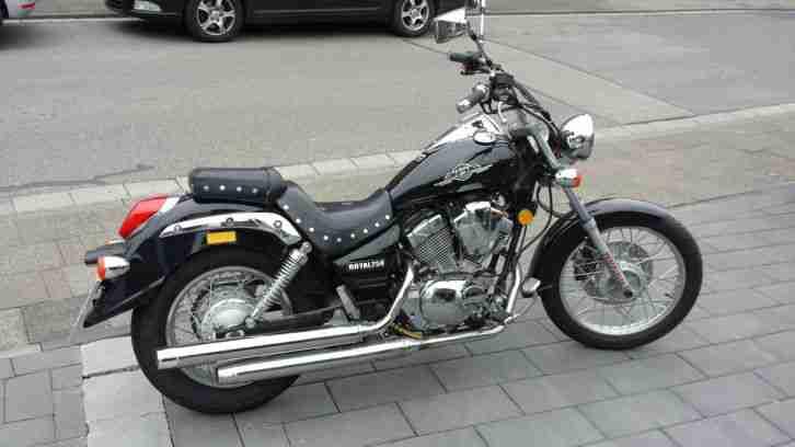 motorrad zu verkaufen erst 90 kilometer bestes angebot von suzuki. Black Bedroom Furniture Sets. Home Design Ideas