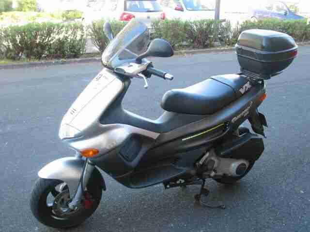 Motorroller Gilera Runner 125 VX 4 takt TÜV neu Bj 2002 km 16500 lesen