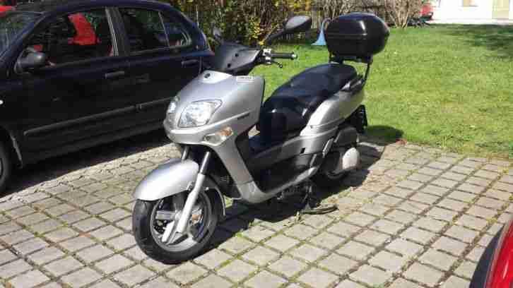 Motorroller YAMAHA Versity 300
