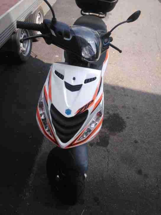 PIAGGIO ZIP MOTORROLLER