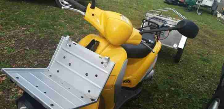 Piaggio Libberty 50 Post Roller gelb mit Aluanhänger