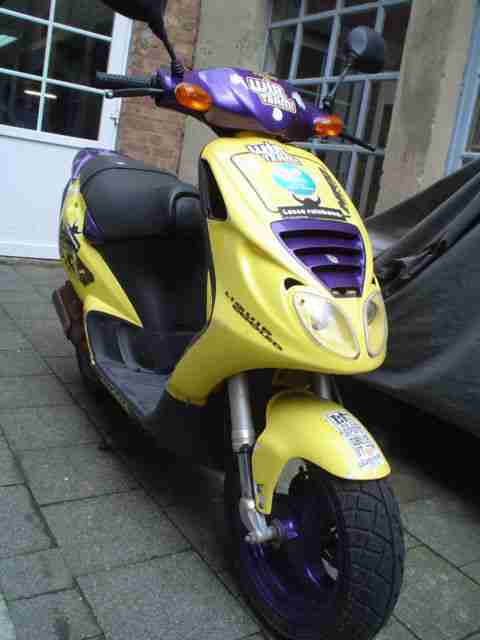 Piaggio NRG liquid cooled (Mofa 25 km h)