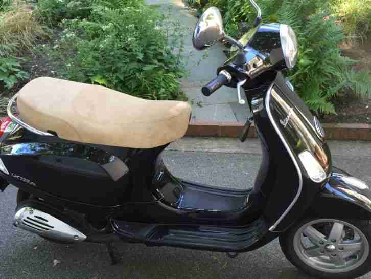 piaggio vespa lx125 motorroller 125ccm schwarz bestes. Black Bedroom Furniture Sets. Home Design Ideas