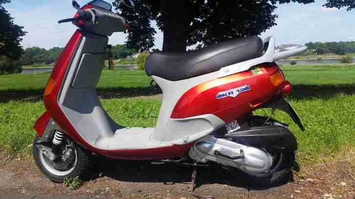Piaggio Vespa SKR 125 Motorroller TÜV neu