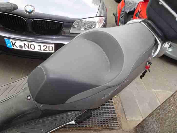 Roller Aprilia Leonardo 125cm³ Motorroller silber