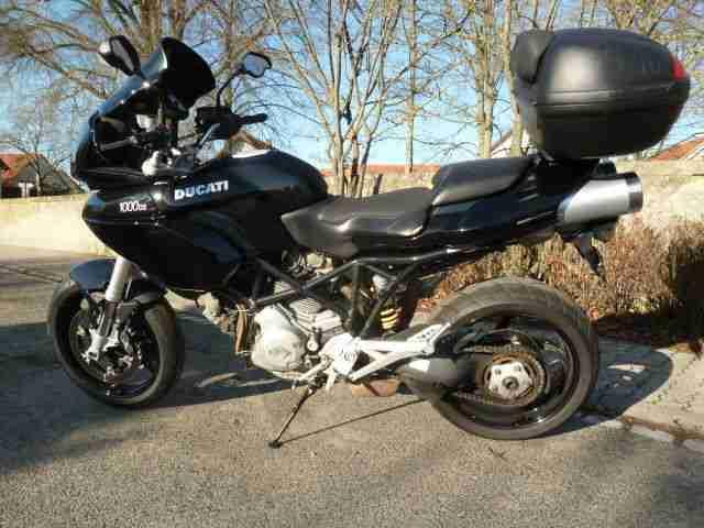 Schöne Ducati Multistrada DS 1000 in schwarz, EZ 03 04, Batterie und TÜV neu