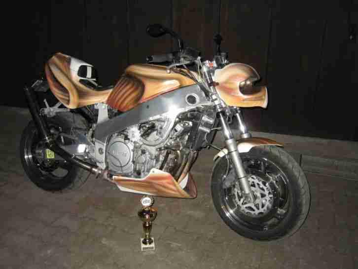 Yamaha YZF R1 RN01 Streetfighter Superbike - Bestes