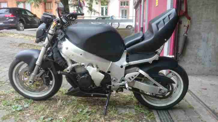 Streetfighter Suzuki GSXR 750 SRAD Injection TÜV NEU !!