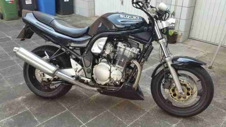 Suzuki Bandit nacked bike