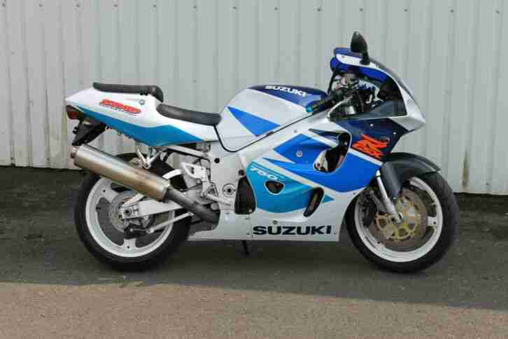 Suzuki GSX R 750 SRAD EZ: 2001 Sportler Supersportler