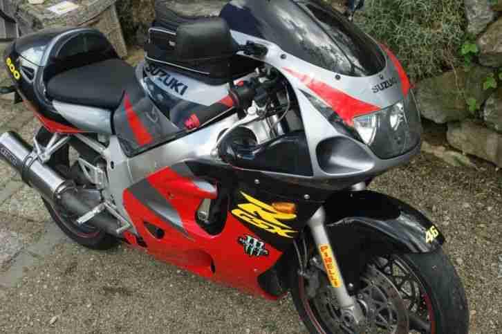 Suzuki GSXR gsxr 600 Motorrad Racer Supersportler