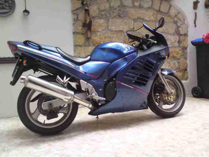 Suzuki RF600 R