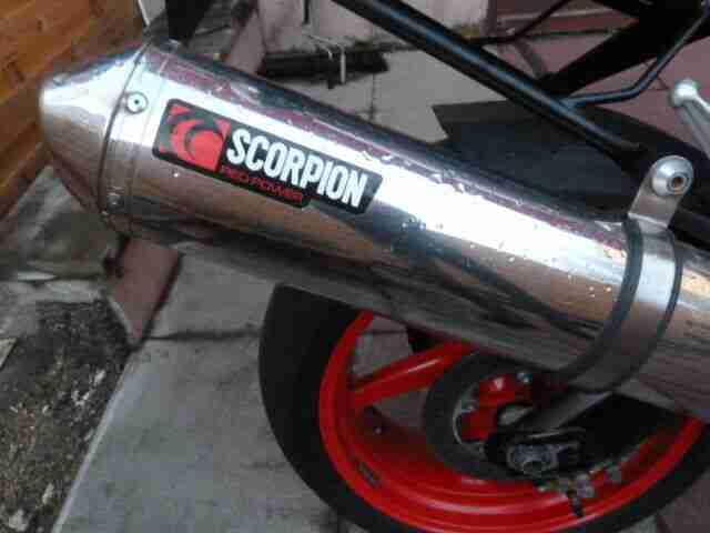 TOP Aprilia Tuono 1000 RSV EZ05 05 mit Scheckheft, Scorpion Auspuff, Heizgriffe