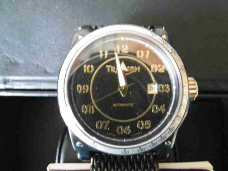 Triumph Automatik Motorcycles Swiss Made Uhr mit Glasboden in Schwarz