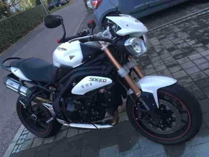 Speed Triple 1050 Cristal White
