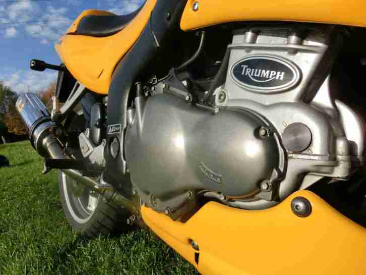 Triumph Sprint RS 955i T695 Racing Yellow 98PS