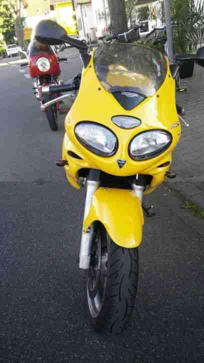 Triumph Sprint RS