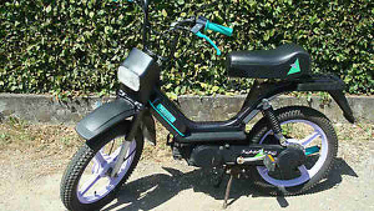 VESPA SUPER BRAVO MOFA BJ. 1993 TOP