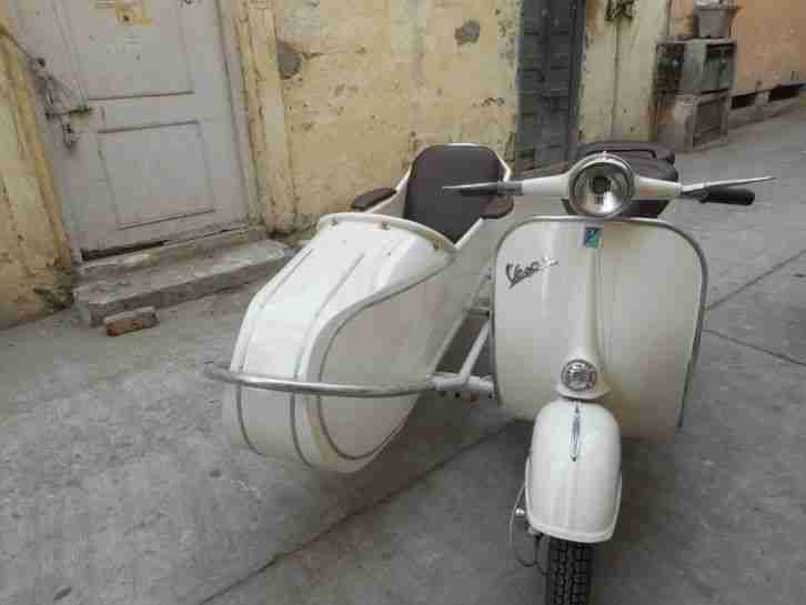 Vespa with euro side car 1965 model vbb with new px150cc engine