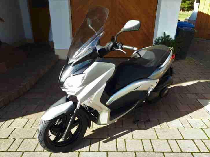 YAMAHA X MAX 250 Motorroller EZ 04.2010