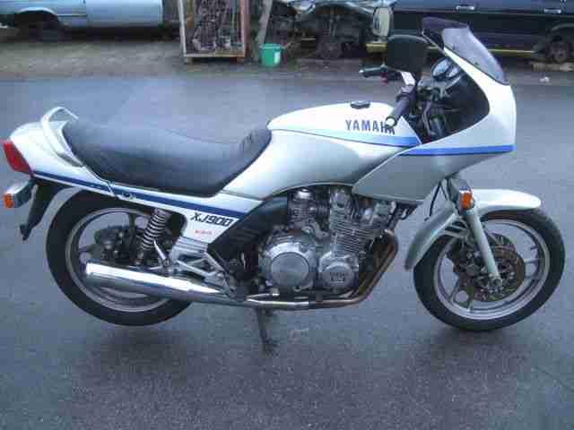 YAMAHA XJ 900 aus 1989 mit Brief Schlüsseln steht seit 2011 Motor dreht
