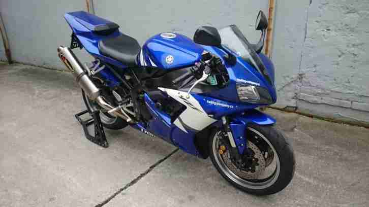 Yamaha R1 12RN