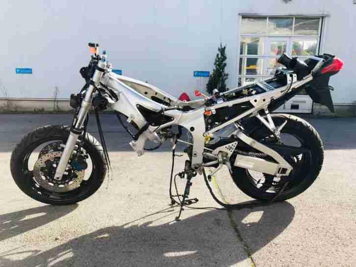 Yamaha YZF R 6 als Bastlerfahrzeug Teilespender oder Wiederaufbau UNFALLFREI