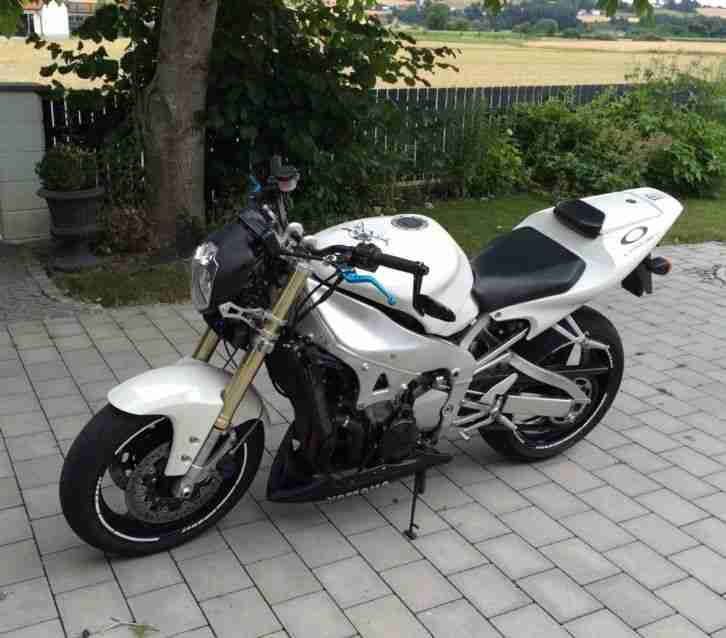 Streetfighter Yamaha R1 - Bestes Angebot von Yamaha.