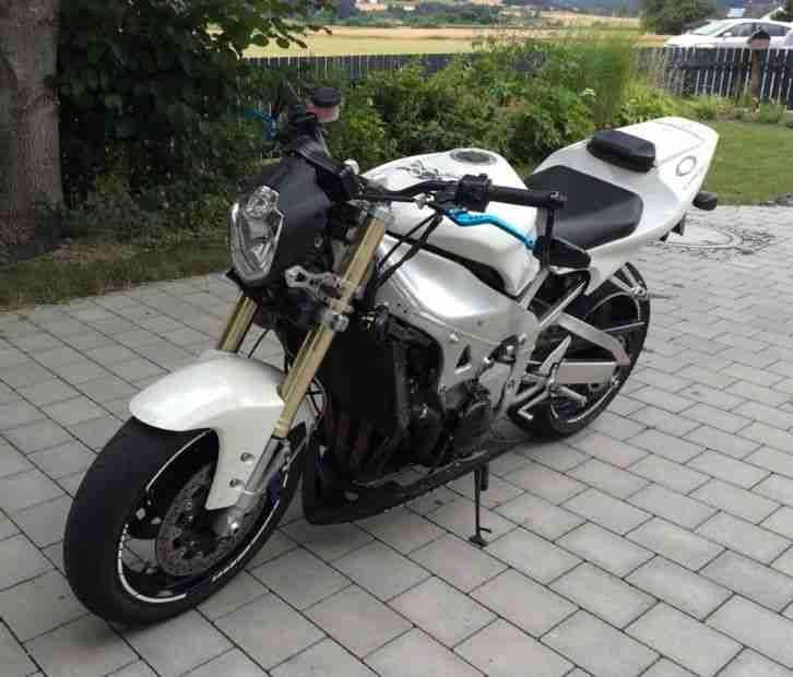 streetfighter R1 RN01 Einarmschwinge carbon - Bestes