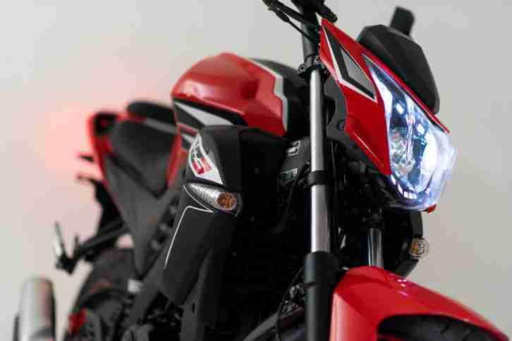 zipp vz3 naked bike 125 ccm 4 takt motorrad bestes. Black Bedroom Furniture Sets. Home Design Ideas