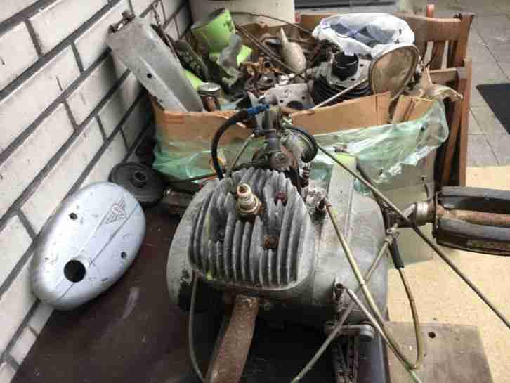 Zündapp Moped Motor 2St.einer zerlegt einer kompl.s.Bilder Garagen Fund.