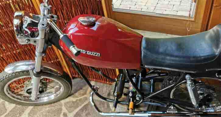 Cafe Racer, Bobber, Motorrad, Italien Bike ,Moto Guzzi, Cagiva,Unikate Weinregal