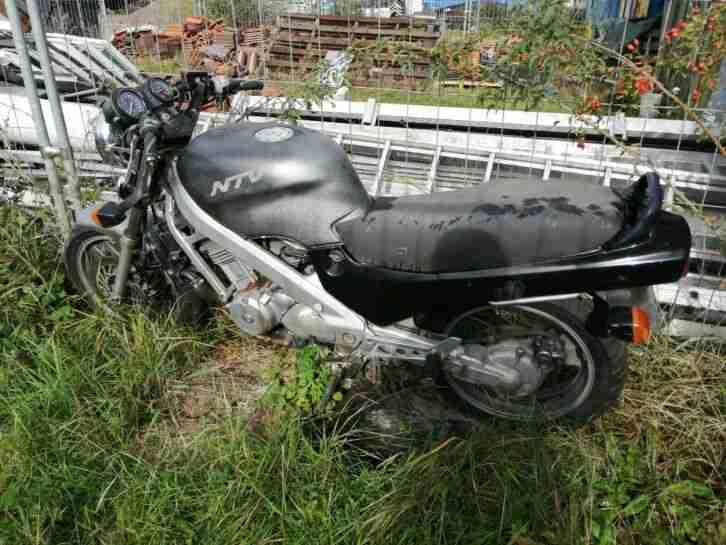 Honda NTV 650 für Schrauber oder Schlachter!