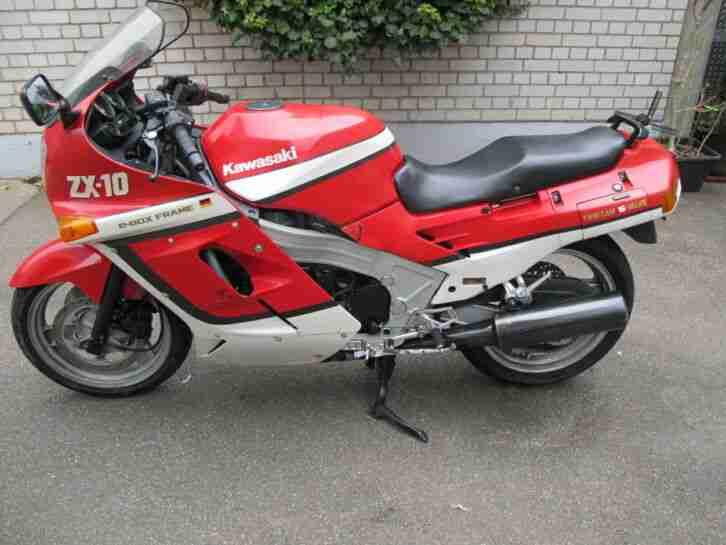 Kawasaki ZX10 mit Mängeln für Bastler aus Platzgründen abzugeben