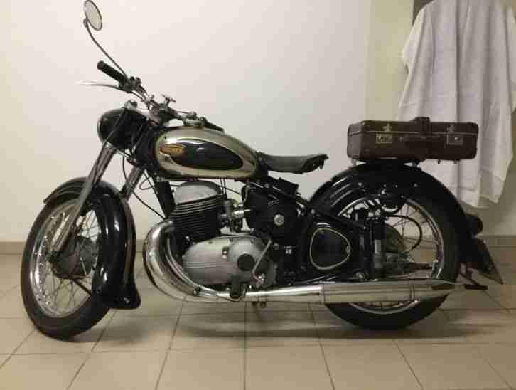 oldtimer motorrad Triumph Boss