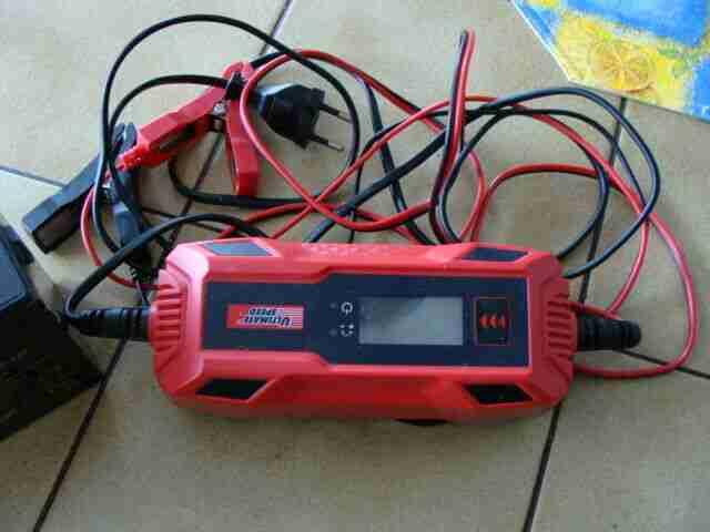 roller battarie neu ladegerät 1x gebraucht ladegerät auch für autobattarie
