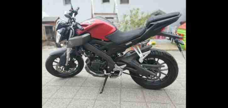 Yamaha MT 125 Motorrad rot
